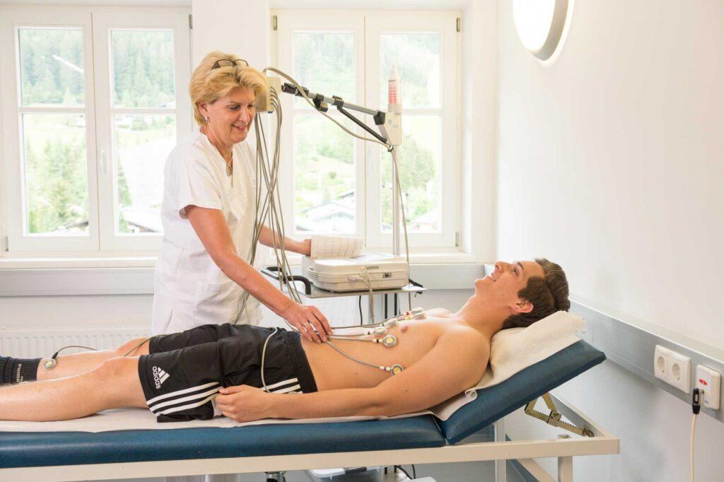 EKG (Elektrokardiogramm) - Dr. Aufmesser Radstadt/Obertauern