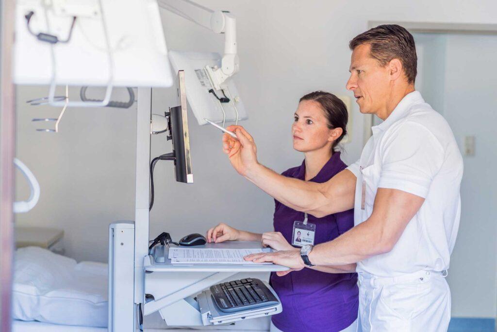 Visite nach und vor der Operation bei Dr. Aufmesser
