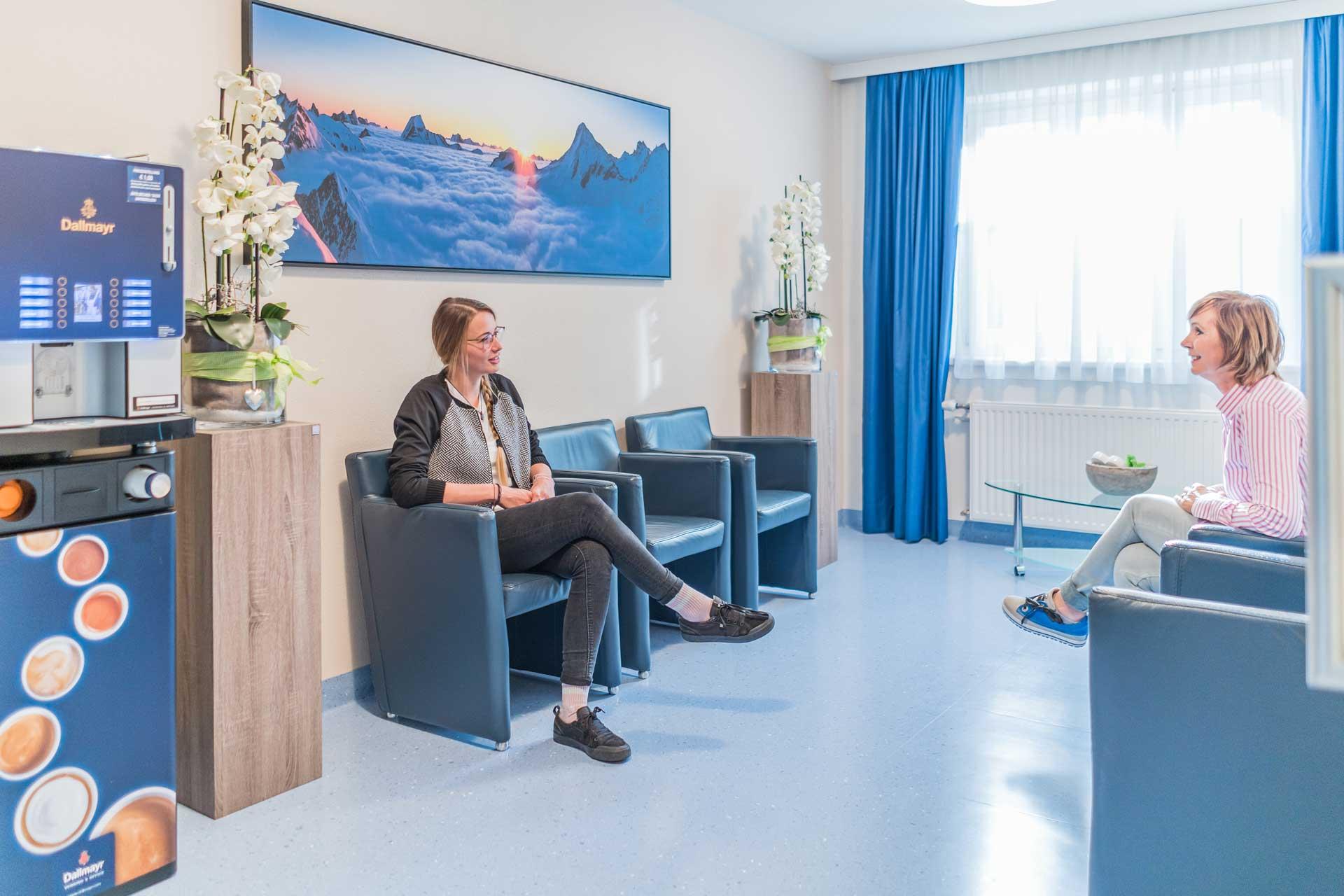 Waiting room - Sports Clinic Dr. Aufmesser Radstadt