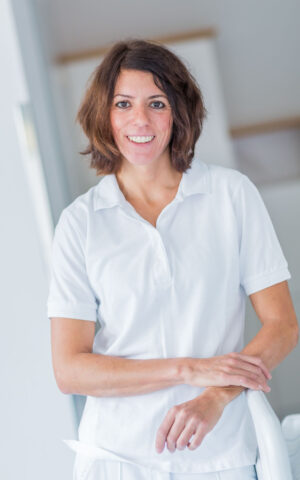 Dr. Anita Maruna